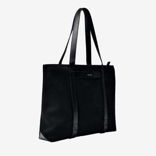 The Fifth tote