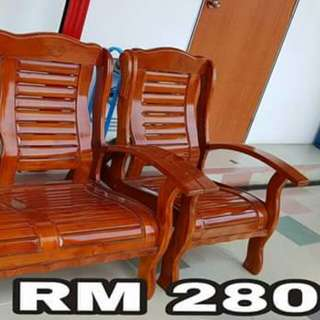 Wooden hall chair