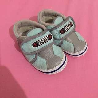 Sepatu bayi nyaman banget 0-2 th