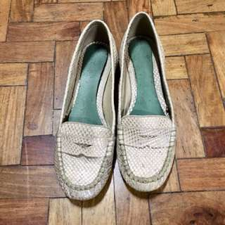 Pre-loved Beige and Silver Loafers