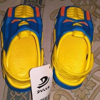 Sandal dulux ukuran 25