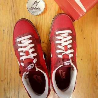 Nike Genicco Red Classic