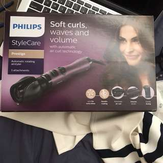 Ironing blow dryer Philips