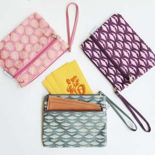 Wristlet - 3 compartments