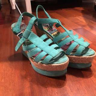 Green open shoes HM