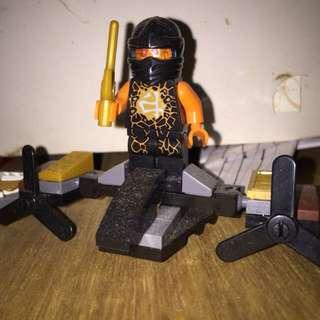 Black helmet minifig