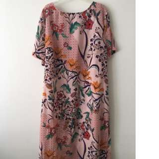 Size 12 Glamorous Shift Dress Paisley Pink Floral Design
