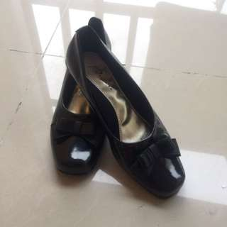 Ribbon Loafers