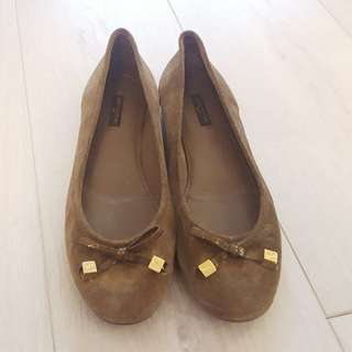 Louis Vuitton suede leather brown ballet flats shoes with LV golden dice size 39