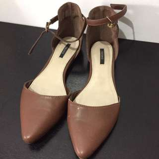 Forever 21 Tan Pointed Flats