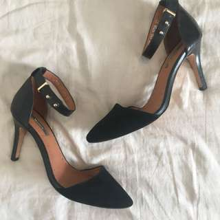 Marcs Black Leather / Suede Heels