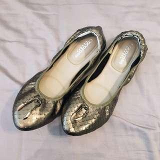 全新正貨 Cocorose 真皮 摺疊芭蕾舞鞋 平底鞋 娃娃鞋 來自英國無法取代的品味與質感 41號