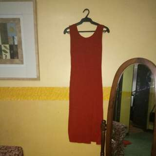 Red bodycon with slit