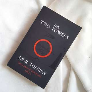 The Two Towers (Lord of the Rings #2) - J.R.R. Tolkien