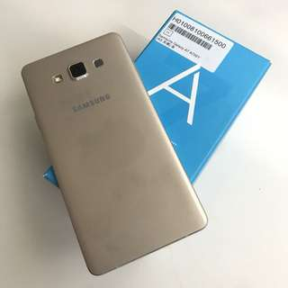 Samsung A7 16gb. Gold