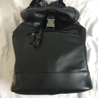 Authentic Prada Leather Bag, 80%new, good conditions 40*28*15cn