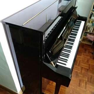 Yamaha U1 鋼琴