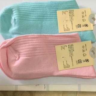 全新純銀襪子兩雙