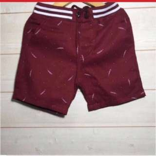 Red Shorts 3-4Y Stretchable waist L = 33cm