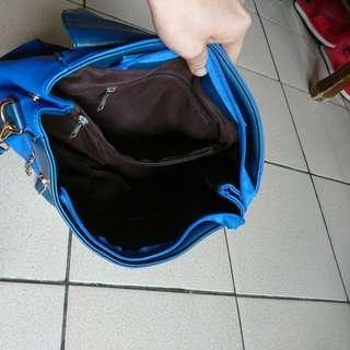 天藍小舖的包包6成新(只背了3次)