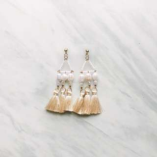 Pearl Tassel Earrings Nude