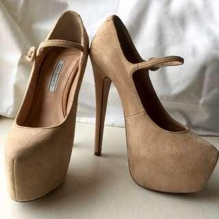 Tony Bianco Size 5 Platform suede heels