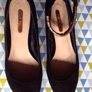 VNC Black Shoes