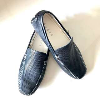 Pedro Black Loafers