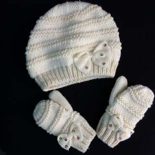 Elegant Winter Cap & Gloves