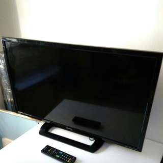 Sharp 32 Aquos led tv