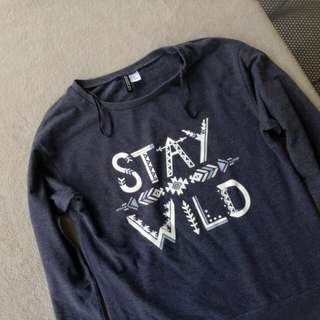 H&M Stay weird pull over