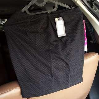 HEIRESS Mini Skirt Hitam