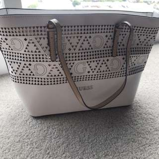 Guess handbag - white - excellent condition