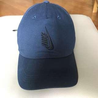 95% New NikeLap Cap