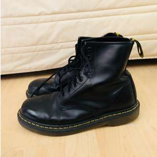 Black smooth authentic doc martens
