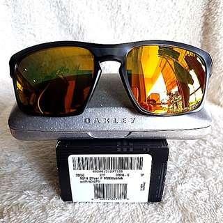 Oakley Sliver F