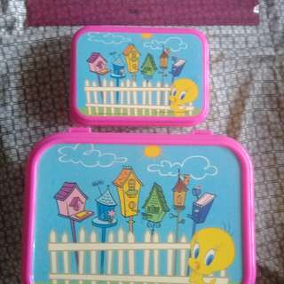 Tweety Bird Lunch Box Set