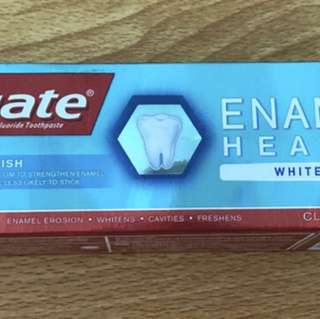 Brand new in box Colgate whitening clear mint toothpaste