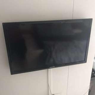 "Samsung LED 32"" TV"