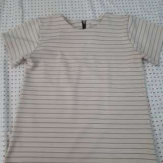 Creme blouse with stripes