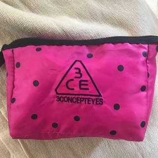 Makeup bag 3ce