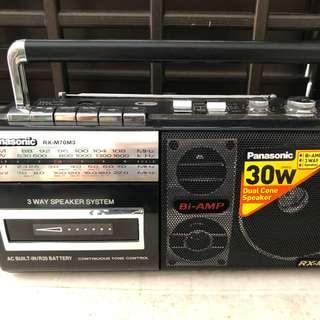 Radio plus cassette recorder