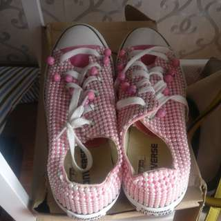 Converse pink pearl