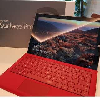 Microsoft Surface Pro 3 / 4GB RAM/128GB SSD / i5 / Windows 10 Pro / w Type Cover