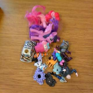 Different kinds of small toys