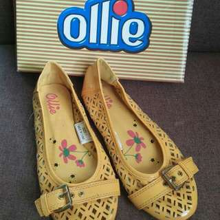 Ollie yellow dollshoes US1(32)