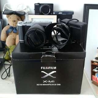 Fujifilm x-M 1 black silver 16-55 murah nego