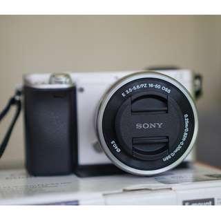 Sony Alpha A6000 (ILCE-6000) Camera in Silver