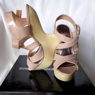 Wedges - size 37