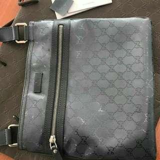 Preloved Gucci Monogrammed Coated Canvas Messenger Bag